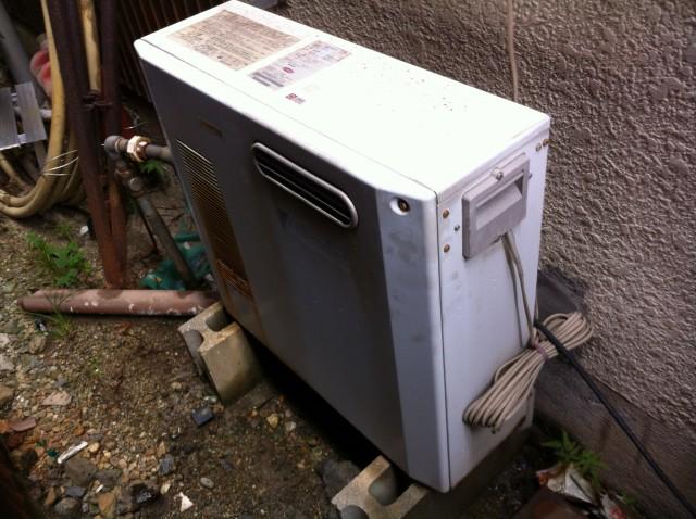 名古屋市守山区S様給湯器のご依頼ありがとうございます!施工前