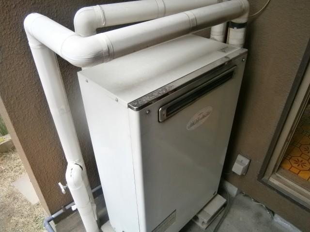 江南市 ガス給湯器取付工事(ガス給湯専用)給湯器施工前