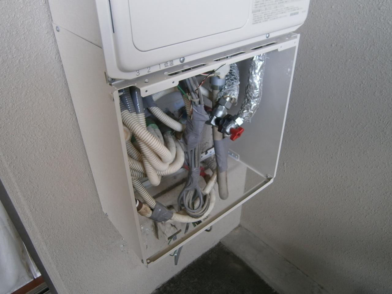 熱源機取替工事 配管施工後