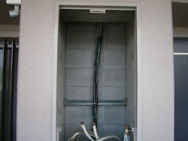 ガスふろ給湯器取替工事 撤去後