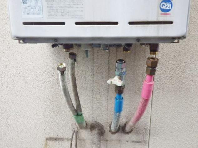 給湯器取替え工事 施工前