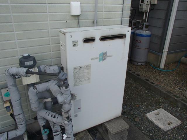 鈴鹿市 ガス給湯器取替工事 施工前